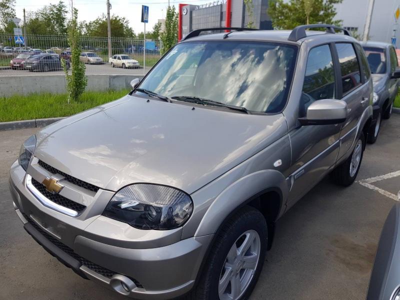 Chevrolet niva Niva 1.7 MT (79,6 л. с.) GLC