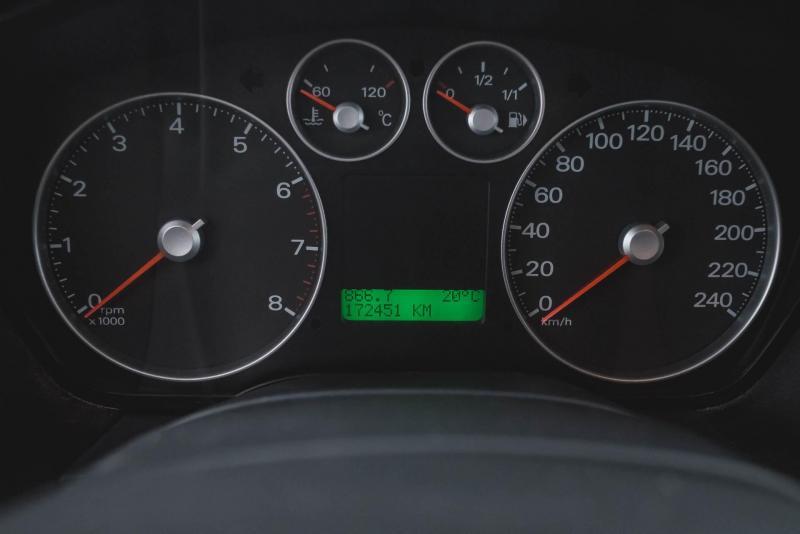 Ford C-MAX 1.8 MT (125 л. с.)