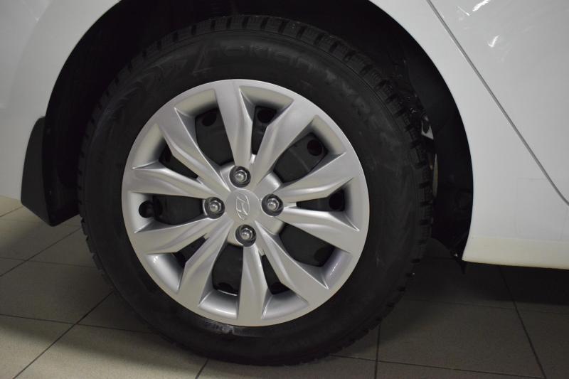 Hyundai Solaris 1.4 MT (100 л.с.)