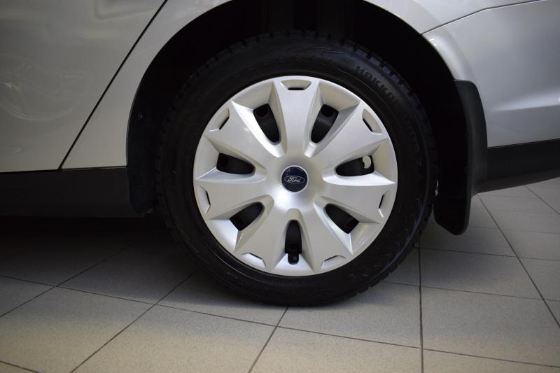 Ford Focus 1.6 MT (125 л. с.)