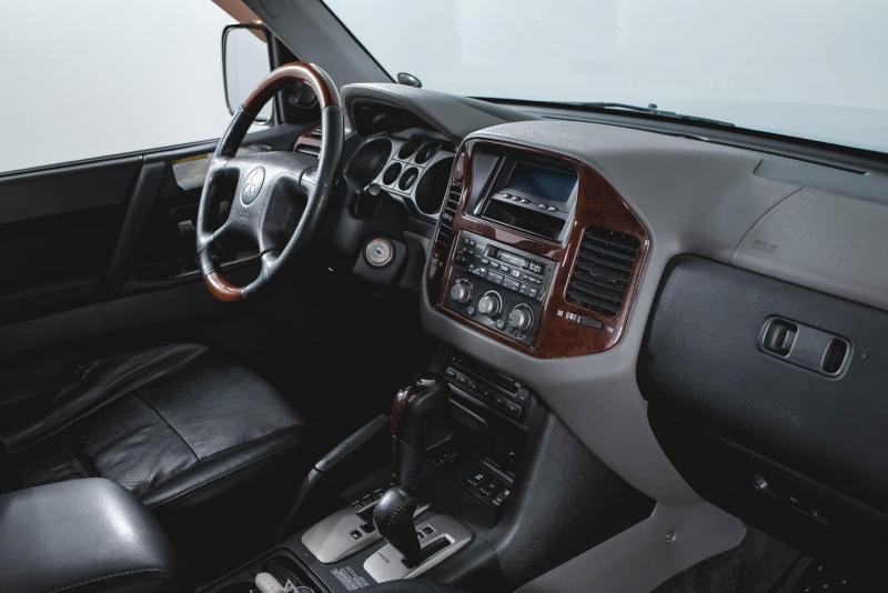 Mitsubishi Pajero 3.2 DI-D AT (165 л. с.)