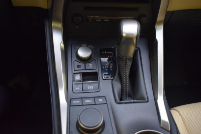Lexus NX 200t 2.0 AT (238л.с.) 4WD Progressive